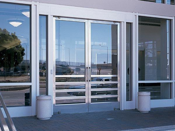 Vialum vidrios y aluminios del sur indica per for Puerta de entrada de aluminio con vidrio